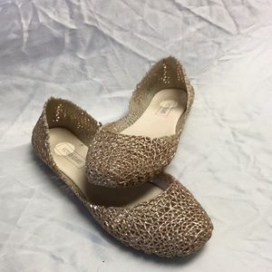 Victoria Adames gold girl slip slip-on's size 6